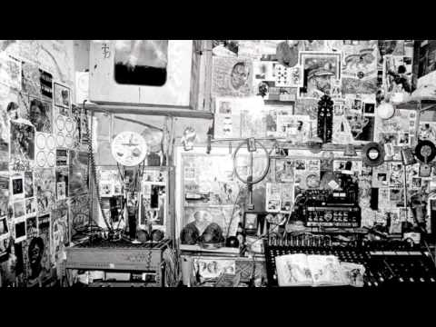 Lee Perry - I'm Not A Human Being