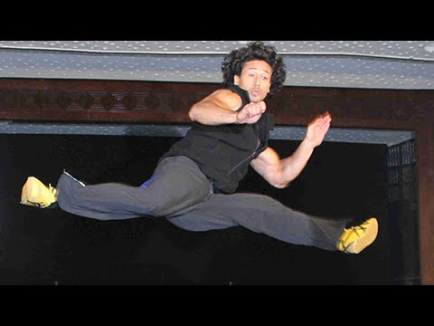 Tiger Shroff Performs Deadly Martial Arts Stunts LIVE | Baaghi