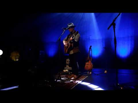 Gregory Alan Isakov - Master and a hound (live) mp3