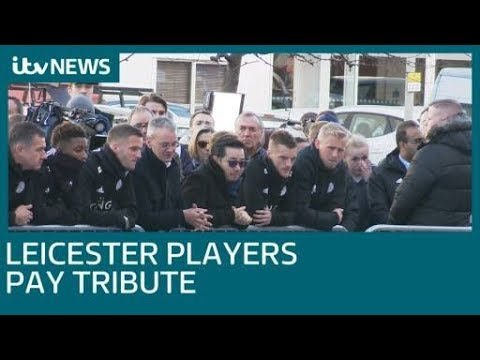 Leicester City players pay their respects outside the King Power stadium| ITV News