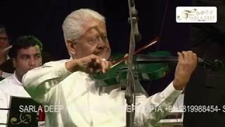 pyarelalji-playing-the-voilin-ek-pyar-ka-nagma-hai---mukhtar-sarita