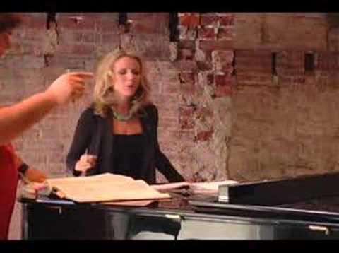 """Sarah Coburn rehearses """"Lucia di Lammermoor"""""""