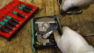 How to disassemble Western Digital hard disk drive