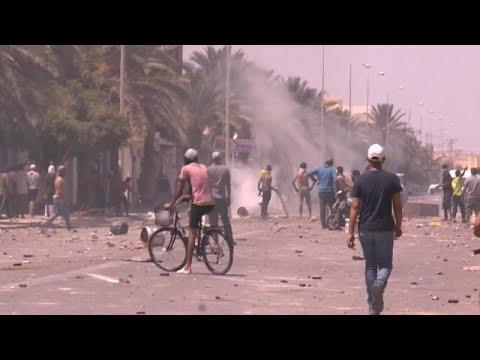 احتجاجات جنوب تونس ضد البطالة تزامنا مع زيارة الرئيس قيس سعيد إلى فرنسا…  - 21:58-2020 / 6 / 22