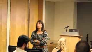 Amanda Barbara teaching a class on Reward Crowdfunding