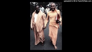 Radhe Govinda, Vrindavana Chandra - Sivananda Yoga Ranch - Sustaining Grace