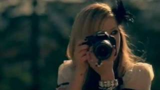 Canon with Avril Lavigne(Аврил Лавин и великолепная реклама Canon., 2011-07-27T09:06:40.000Z)