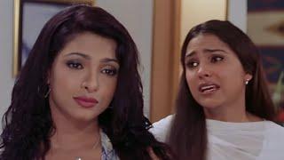 प्रियंका ने किया लारा को शादी का जोड़ा पहेन मजबूर | Andaaz - Best Of Priyanka Chopra Scenes