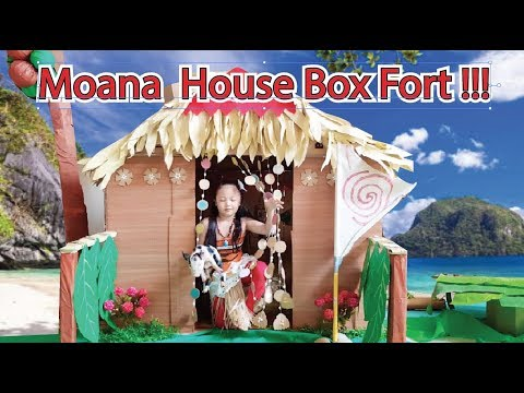 Moana House Box Fort ! Bug does her Moana Chores