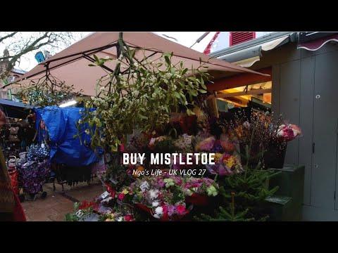 Uk Vlog 27 Christmas Meal With Friends Buy A Mistletoe Youtube