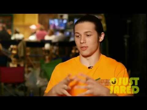 Leo Howard Directs 'Kickin' It' (Exclusive Featurette)