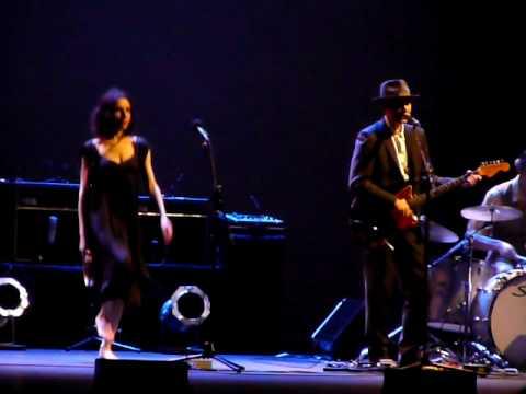 False Fire by PJ Harvey & John Parish @ Beacon Theater NYC 06/09/09