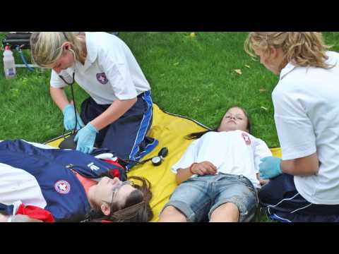 First aid from the very beginning  Winner of the SAMARITAN's B.E.S.T. local award 2015