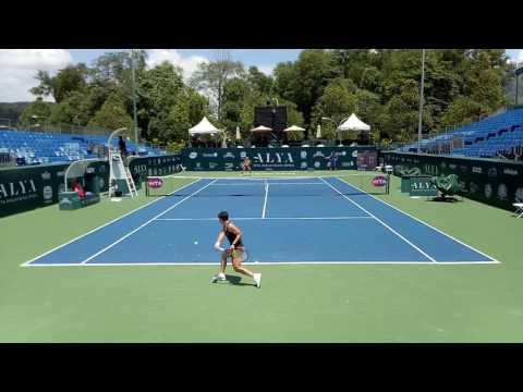 Carla Suarez Navarro VS Kateryna Kozlova Practice   WTA Malaysian Open 2017