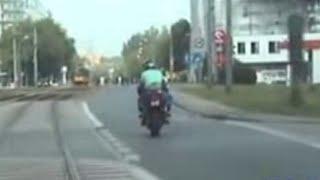 Pościg za nietrzeźwym motocyklistą na ulicach Warszawy