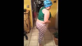 Funny dancing to El Caballito de Palo