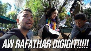 Download ADUH!!RAFATHAR DIGIGIT KANGGURU!!MAMA GIGI KETAKUTAN!!FEATHERDALE WILDLIFE Mp3 and Videos