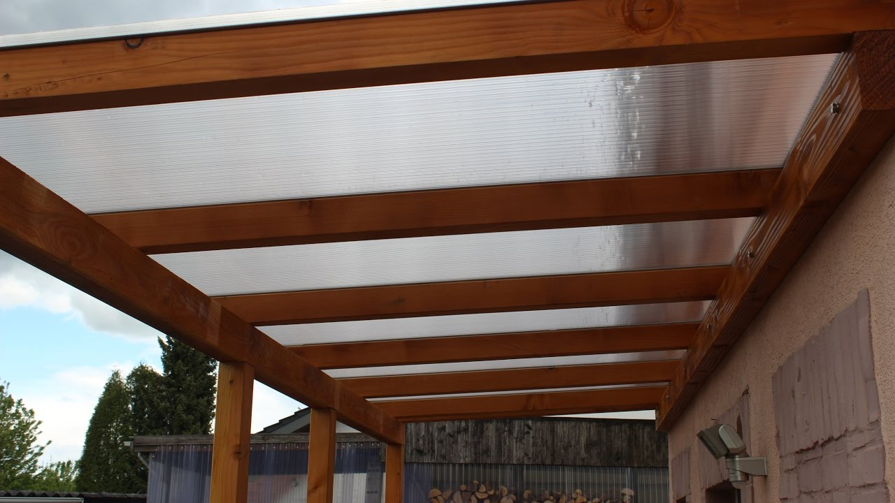 diy selbstgebautes hausvordach aus holz self built house canopy wood