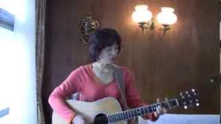 アン・ルイスさんのWomanは1989年に発売され、イントロのエレキギターも...
