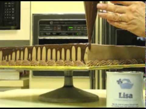 Cách phủ socola lên bánh kem