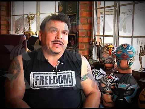 REY MISTERIO SEÑOR HABLA SOBRE SU SOBRINO REY MISTERIO JR.