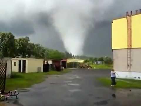 Trąba Powietrzna, Tornado W Polsce