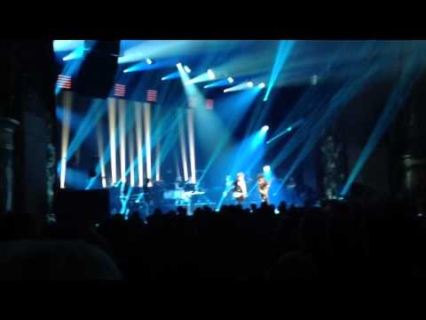 Mick performs with Johnny Hallyday Thumbnail image