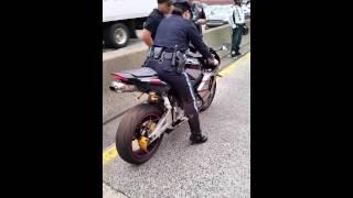 Chute d'une policière à moto