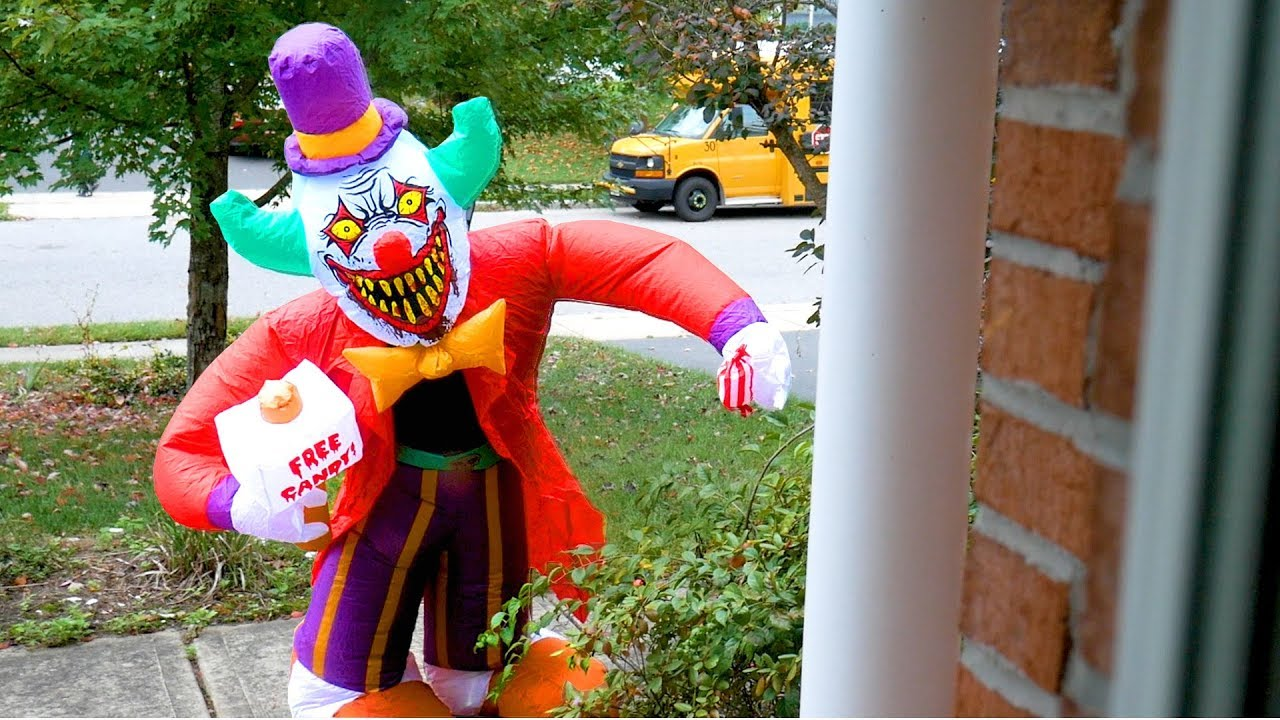 Image - Gemmy Prototype Halloween Scary Clown Inflatable ... |Halloween Clown Inflatables