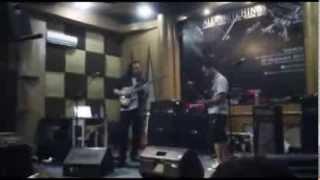 Jamming with Alex Hutchings at Chick's Music Rawamangun