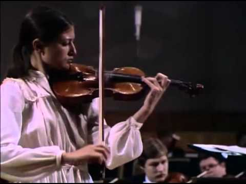 Viktoria Mullova plays Sibelius Violin Concerto in D minor, op.47
