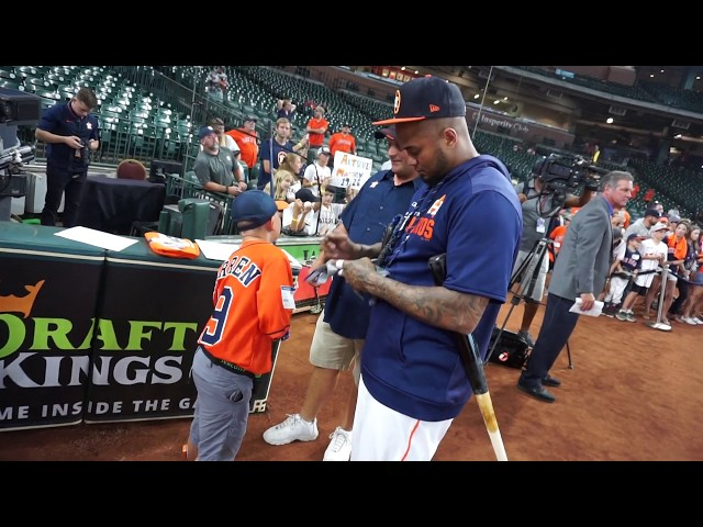 Martin Maldonado Signing His Batting Gloves for Wish Kid James | Kids Wish Network