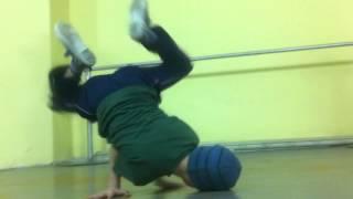 Детский баттл - урок в школе уличных танцев
