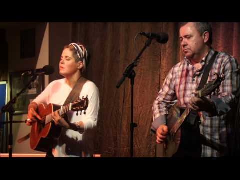 Amy Wadge & Pete Riley - Little problem - at Alstonefield