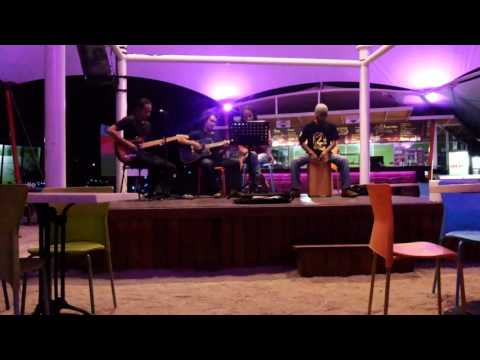 Nicky Astria - Tua tua keladi cover dflowCoustic on tenda cafe bjbr Probolinggo