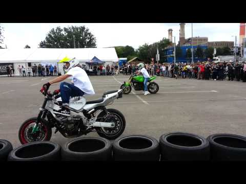 MotorFest 2013 in parcare Shopping City Suceava , stunt by Lemon Rider's !