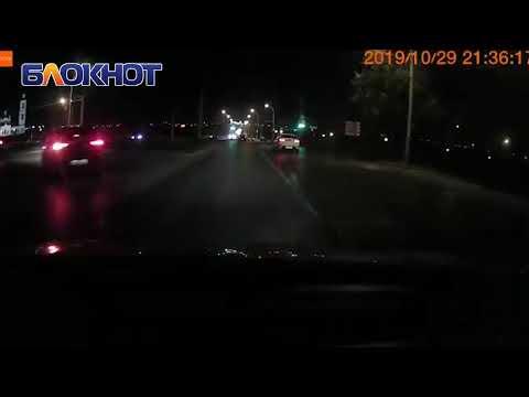Пытавшийся «залететь» на мост водитель ВАЗа попал в ДТП