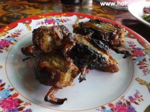 กินแปลกกบยัดใส้ขาตัวเองสับ(khmer food)