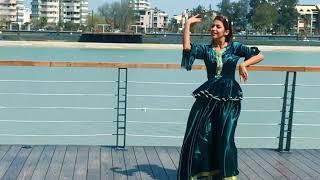 رقص با آهنگ يار شيرين از بانو ليلا فروهر