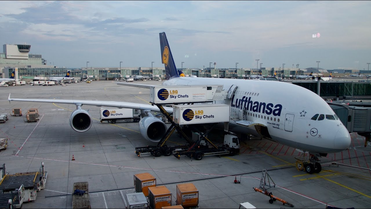 lufthansa a380 economy class flight review lh778 frankfurt to singapore changi youtube. Black Bedroom Furniture Sets. Home Design Ideas