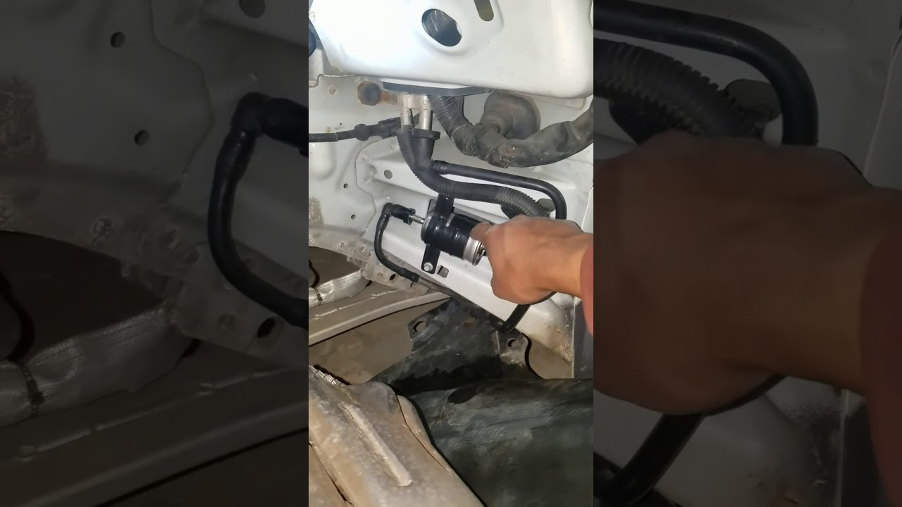 small resolution of 2006 lincoln ls fuel filter