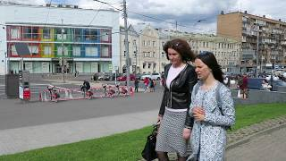 Июнь. Москва. Район метро