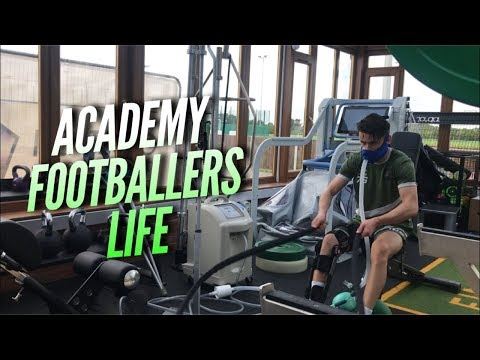 Day In The Life Of 17 Year Old Academy Footballer - (My Firs