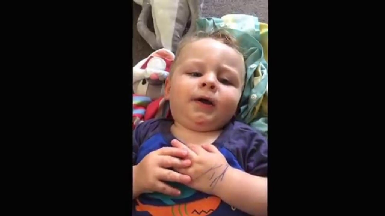 Baby singing SORRY by JUSTIN BIEBER - YouTube