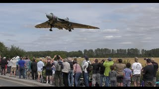 Vulcan XH558 Bomber Farewell | 4k video footage | low approach landing | RIAT Display - 2015