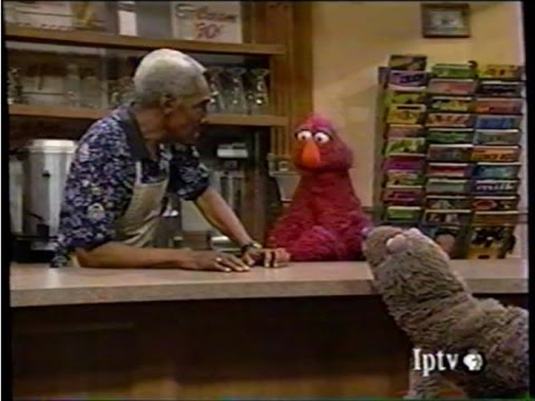 Sesame Street (#3511): Big Bird Fishes for Wolfgang