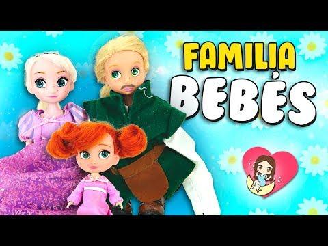Las bebs Rapunzel, Elsa y Anna juegan a PAPS y MAMS!