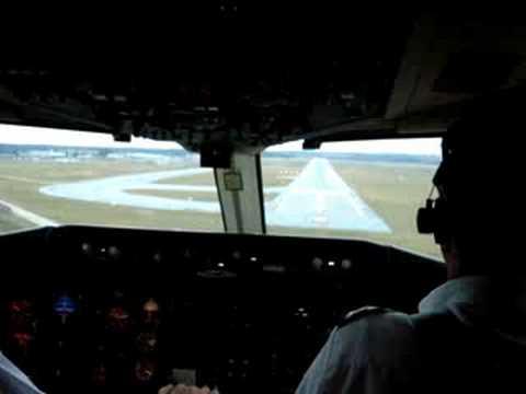 Aterrizaje en aeropuerto de carrasco desde la cabina