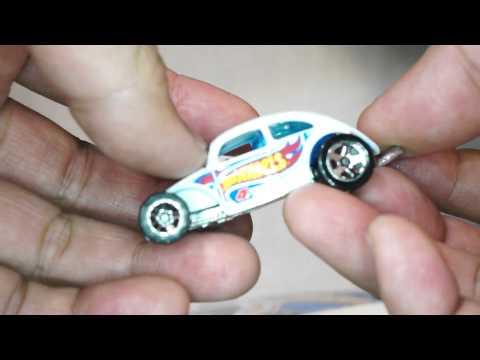 Quickie Car Review - 2013 Hot Wheels CUSTOM VOLKSWAGEN BEETLE kmart exclusive color