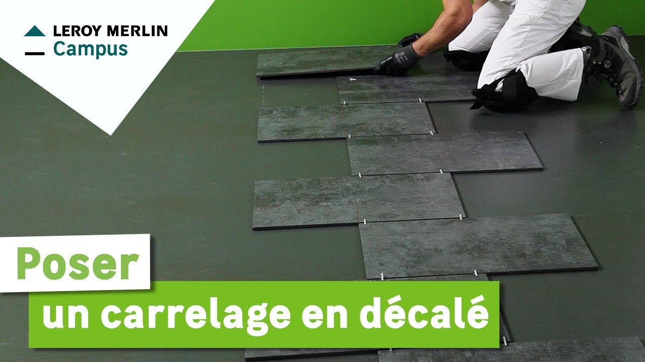 Comment poser un carrelage en d cal leroy merlin youtube - Comment fixer un plan de travail au mur ...